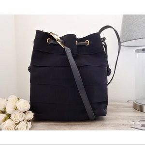 ⇩ Salvatore Ferragamo Drawstring Bucket Bag